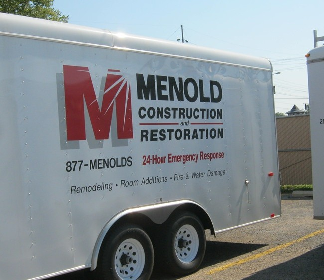 Cut Vinyl Menold Trailer